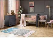 Zestaw grafitowych mebli dziecięcych KLUPŚ PAULA komoda + łóżeczko